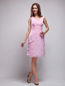 Pink Knee-length Nice Senior Wedding Guest Dress with V-neck