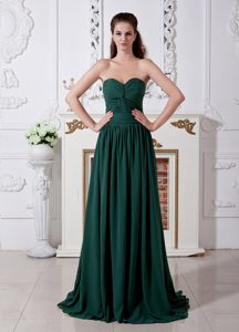 Dark Green Sweetheart Affordable Wedding Guest Outfits with Ruching