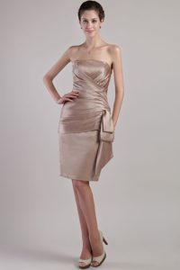Low Price Strapless Knee-length Satin Wedding Guest Dress with Pleating