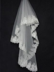 Lace Decorate The Bridal Veil On Sale