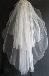 Pearl Decorate Beautiful Tulle Wedding Veil