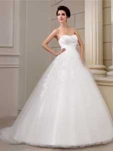Classical Tulle Sleeveless With Train Wedding Gowns Court Train and Appliques