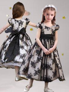 Delicate Scoop Black A-line Sashes ribbons Flower Girl Dress Zipper Lace Short Sleeves Tea Length