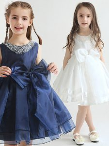 Pretty Scoop White and Navy Blue Organza Zipper Flower Girl Dress Sleeveless Knee Length Beading and Bowknot