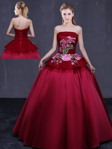 Sleeveless Satin Floor Length Lace Up Quinceanera Gowns in Wine Red with Embroidery
