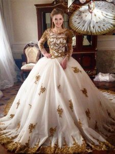 Dazzling Scoop White Long Sleeves Chapel Train Appliques With Train Sweet 16 Dresses